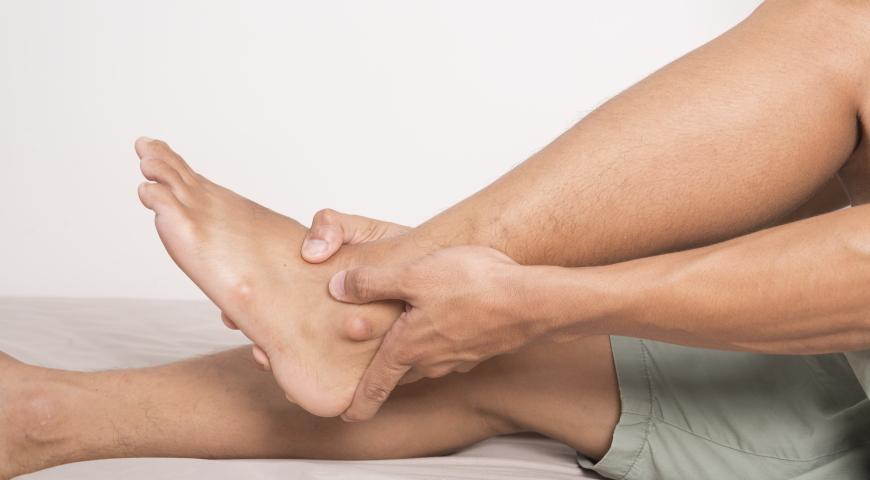 Zespół niespokojnych nóg – przyczyny, objawy, leczenie